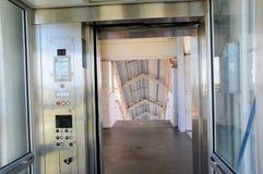 Взгляд от лифта лестницы в вокзале, FL Стоковые Фотографии RF
