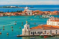 Взгляд от Колокольни di Сан Marco к Венеции, Италии Стоковые Фото
