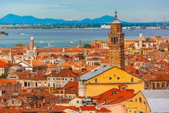Взгляд от Колокольни di Сан Marco к Венеции, Италии Стоковое Изображение