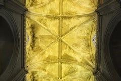 Взгляд от мембраны готического свода, собора Севильи, Испании стоковое изображение