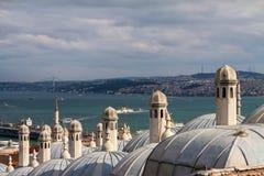 Взгляд от мечети Suleymaniye к Bosphorus, Стамбулу Стоковое Изображение RF