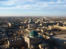 Взгляд от минарета к старому городу Xiva, Узбекистану стоковые фото