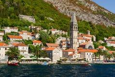 Взгляд от моря на Perast, залива Kotor, Черногории Стоковые Фото