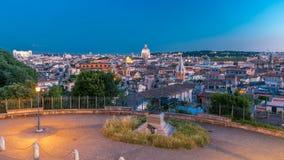 Взгляд от дня ориентир ориентира Pincio к timelapse ночи в Риме, Италии на красивом теплом вечере весны видеоматериал