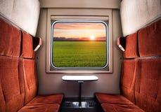 Взгляд от окна поезда Перемещение поезда стоковые изображения rf