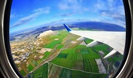 Взгляд от окна самолета на полях и горах, Cappadocia, Стоковые Изображения RF