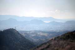 Взгляд от дороги к skywalk Mishima стоковые фотографии rf