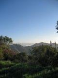 Взгляд от охраны природы Санта-Моника с морским слоем Стоковое Изображение RF
