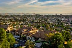 Взгляд от парка вершины холма, в холме сигнала, Лонг-Бич, Калифорния Стоковое Изображение RF