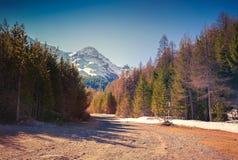 Взгляд от пропуска d'Isoard Col, Альпы, Франция стоковое изображение