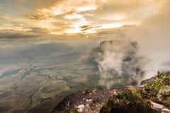 Взгляд от плато Roraima на грандиозных Sabana - Венесуэле, Латинской Америке стоковые изображения rf