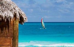 Взгляд от пляжного домика стоковая фотография rf