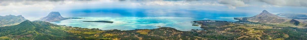 Взгляд от самой высокой вершины Маврикия панорама Стоковые Фото