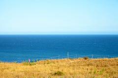 Взгляд от скалы к океану Стоковое Изображение