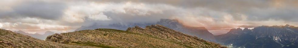 Взгляд от Settsass в доломитах Стоковые Изображения RF