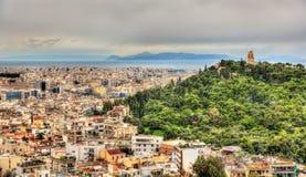 Взгляд памятника Philopappos на холме Mouseion в Афинах стоковое фото rf