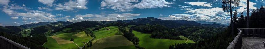 Взгляд панорамы горной вершины Стоковые Изображения