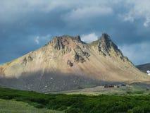 Взгляд панорамы к горе верблюда, Камчатскому полуострову, России Стоковое Изображение