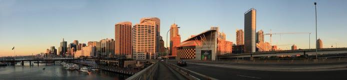 СИДНЕЙ, NSW/AUSTRALIA- 20-ОЕ МАРТА: Заход солнца панорамы на милочке har Стоковые Изображения RF