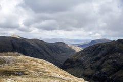 Взгляд панорамы природы Шотландии гористой местности Глена Coe Стоковые Изображения