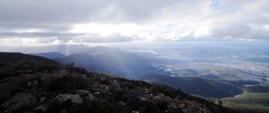 Взгляд панорамы Mt Пик Веллингтона в Хобарте Тасмании Австралии стоковая фотография rf