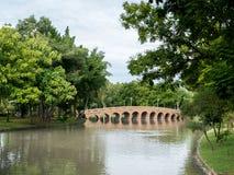 Взгляд парка с Footbridge Стоковые Фото