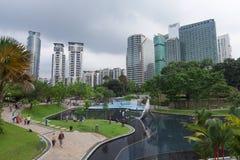 Взгляд парка KLCC в Куалае-Лумпур, Малайзии. стоковое изображение rf