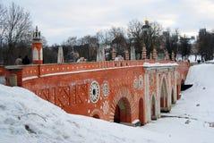 Взгляд парка Tsaritsyno в Москве мост старый Стоковые Фотографии RF