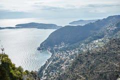 Взгляд побережья Ривьеры от вершины утеса Стоковая Фотография