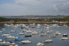 Взгляд порта в городке Le Conquet (Франция) стоковая фотография