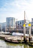 Взгляд порта Гамбурга и современных зданий Стоковые Изображения RF