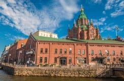 Взгляд православной церков церков Uspenski в Хельсинки Финляндии Стоковое Изображение