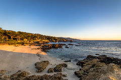 Взгляд пляжа вдоль известного привода 17 миль - Монтерей, Калифорнии, США Стоковое Фото