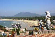 Взгляд пляжа Индийского океана от высоты комплекса Murudeshwa виска Стоковая Фотография RF