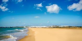 Взгляд пляжа Conil. Кадис, Андалусия, Испания Стоковая Фотография RF