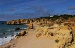Взгляд пляжа Portugals Алгарве Стоковое Изображение RF