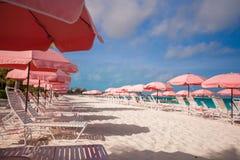Взгляд рая тропического пустого песчаного пляжа с Стоковые Фото