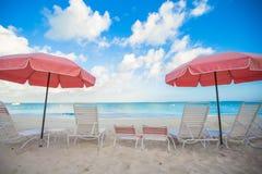 Взгляд рая тропического пустого plage с Стоковые Изображения