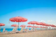 Взгляд рая тропического пустого plage с Стоковые Фотографии RF