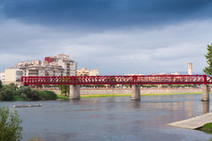 Взгляд реки Ebre с мостом Ferrocarril Tortosa Стоковая Фотография