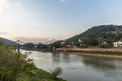 Взгляд реки Itajai на Blumenau, Санта-Катарина стоковые фото