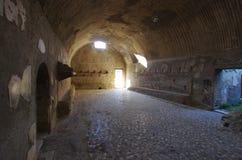 Взгляд руин Ercolano, разрушенных Vesuvius Стоковые Изображения