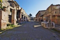 Взгляд руин Ercolano, разрушенных Vesuvius Стоковое Изображение