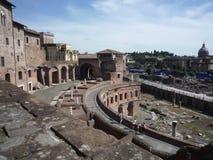 Взгляд рынков Trajan и форума, Рима стоковые изображения rf