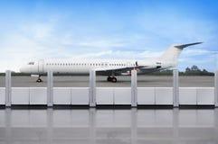 Взгляд самолета от террасы авиапорта Стоковые Фотографии RF