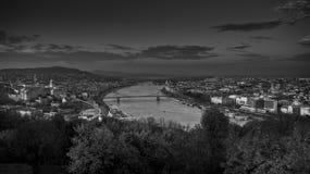 Взгляд сверху выравниваясь Будапешта Стоковые Фото