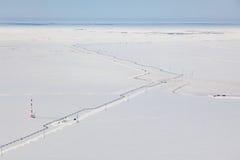 Взгляд сверху газопровода в тундре Стоковые Фото