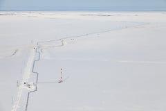 Взгляд сверху газопровода в тундре Стоковое Изображение RF