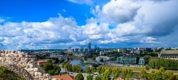 Взгляд сверху города и облаков Вильнюса Стоковые Фото