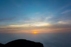 Взгляд сверху гор на утре Стоковое фото RF